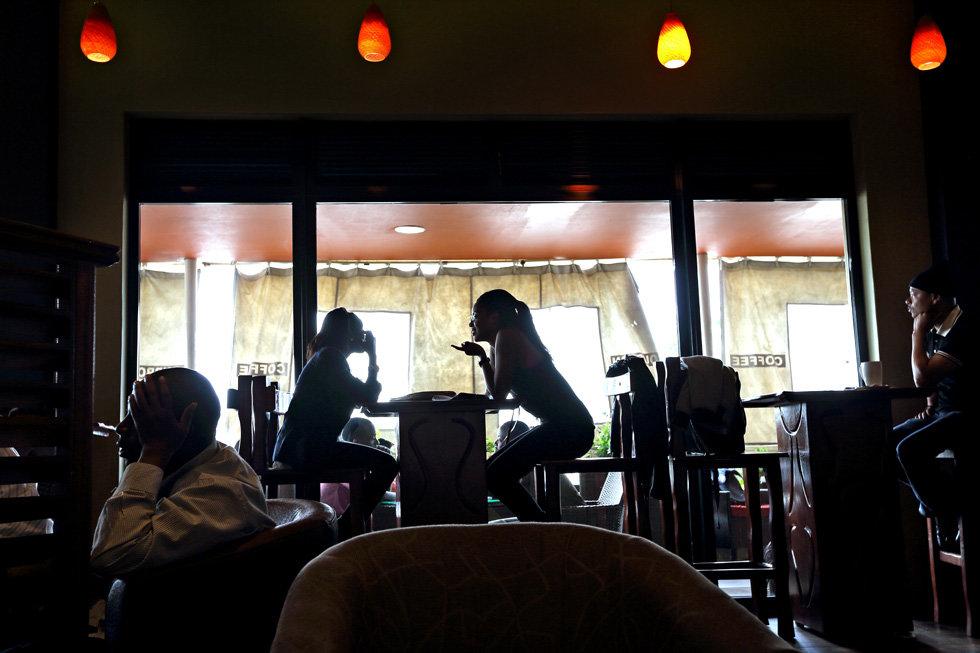 coffee shop in Kigali downtown (Foto: Bruno Zanzottera/Parallelozero)