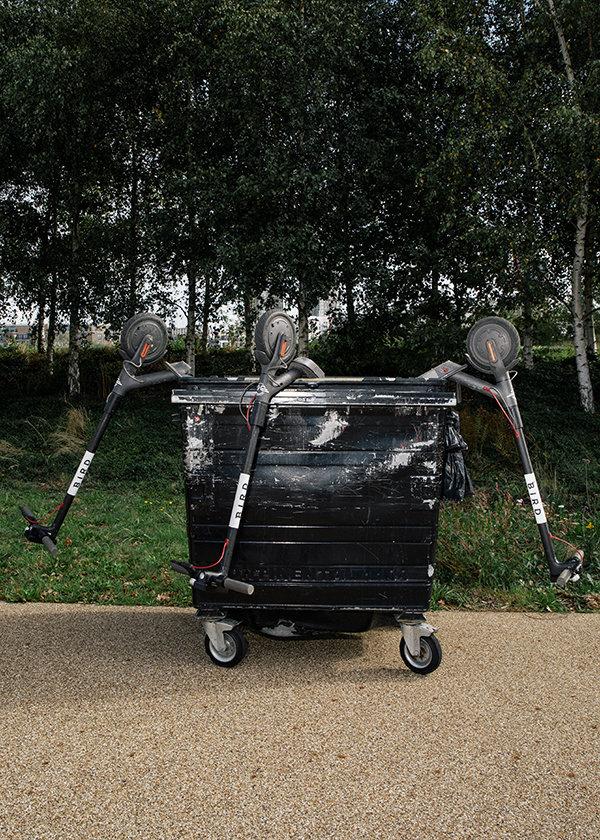 Roller im Müll