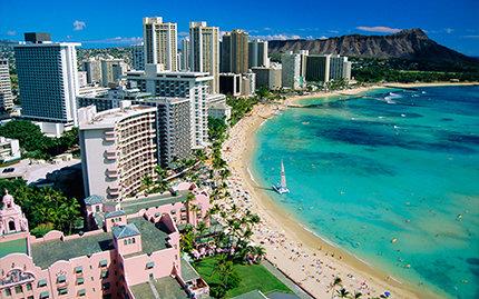 Schlafen am Strand von Honolulu, Hawaii