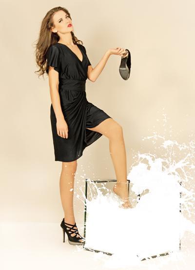 """Auch nicht schlecht: Die Klamotten der Marke """"Qmilk"""" bestehen aus Milch, die Molkereien hätten wegschütten müssen (Foto: Apic/Getty Images )"""