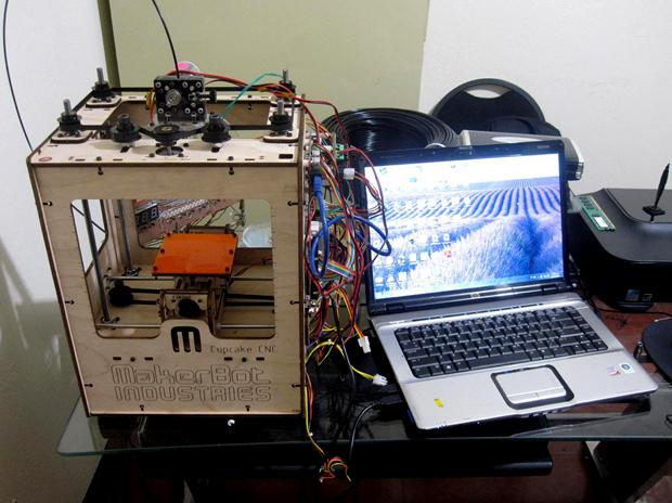 Wunderkiste? Mit Selbstbausets wie dem MakerBot Cupcake begann eine Revolution, auf die wir bis heute warten (Luis Penados)