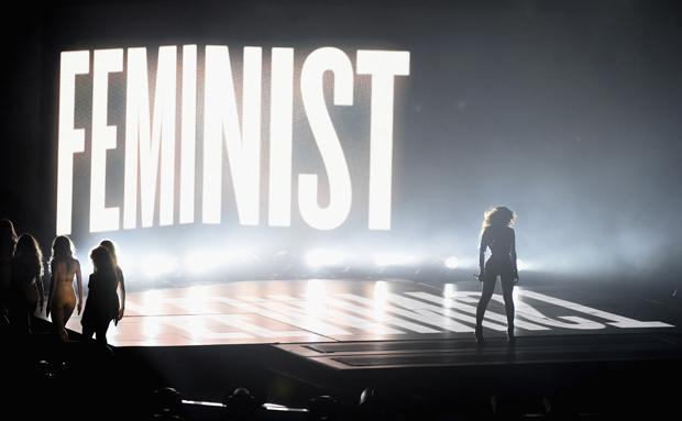 Manchmal muss man schon groß dazu schreiben, dass es sich hier jetzt um Feminismus handelt (Foto: Getty Images)