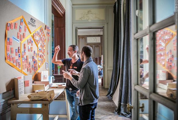 Allein schon die ganzen Teilprojekte zu koordinieren und auf dem Community Board übersichtlich zu machen, ist eine stramme Bastel-Leistung (Fotos: Showerloop,   POC21)