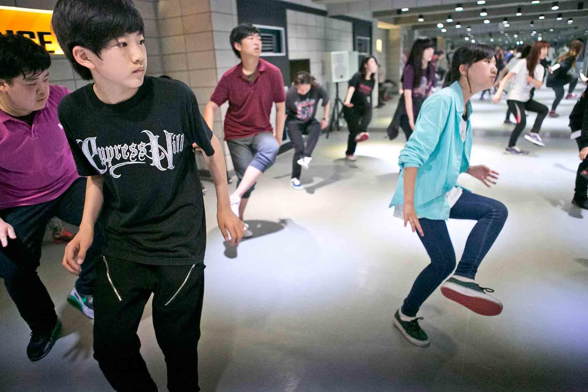Koreanische Jugendliche aus einem K-Pop-Internat