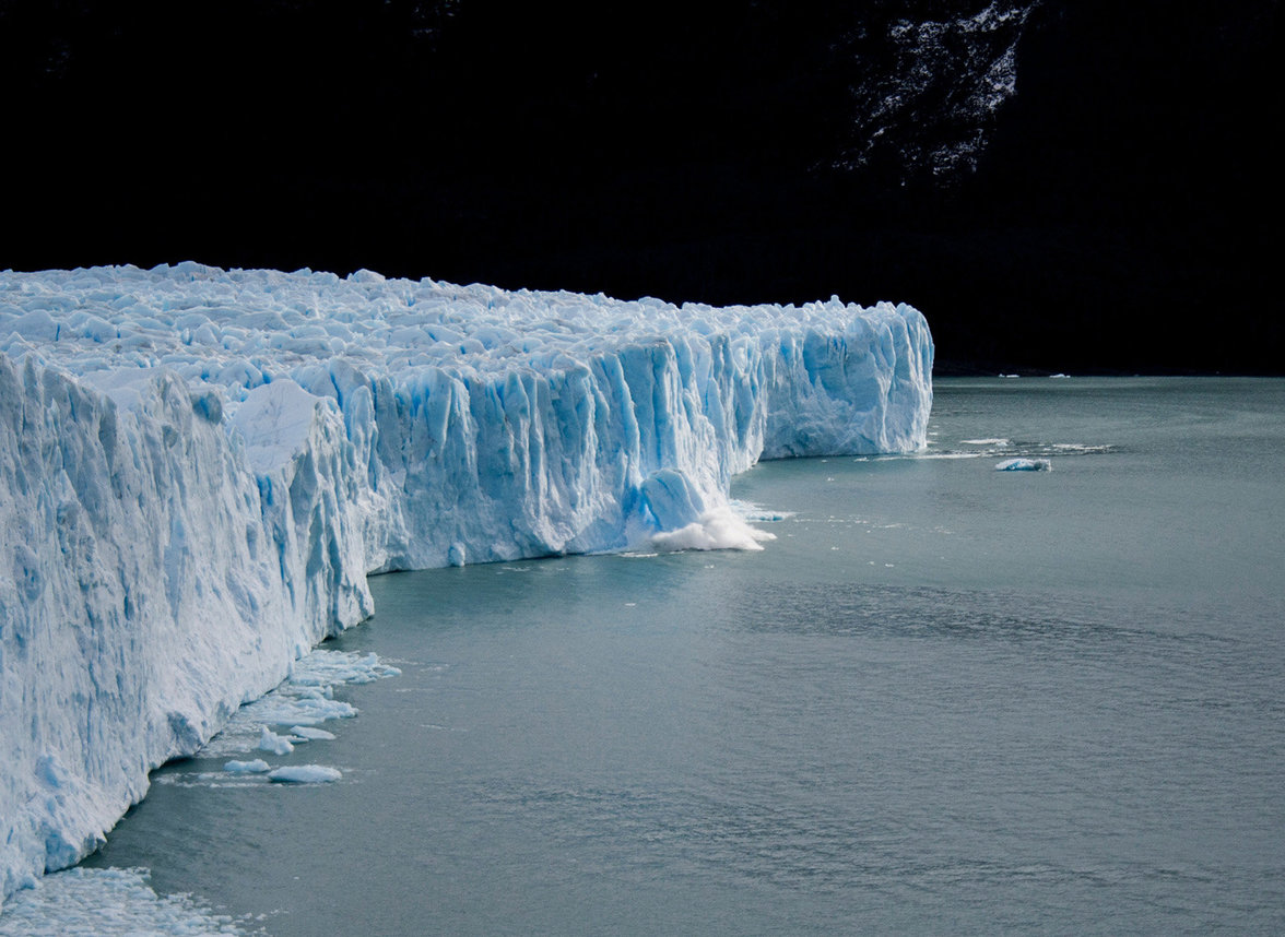 Eisberg (Foto: Miriam Duran/unsplash)