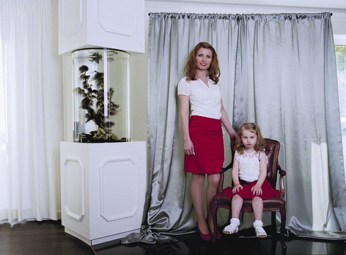 Unter den porträtierten Personen sind aber auch viele Familienangehörige und Freunde der Fotografin.