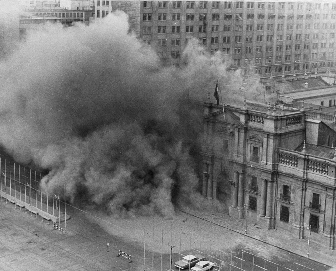Chilenische Präsidentenpalast La Mondena unter Beschuss (Foto: picture alliance / AP Photo)