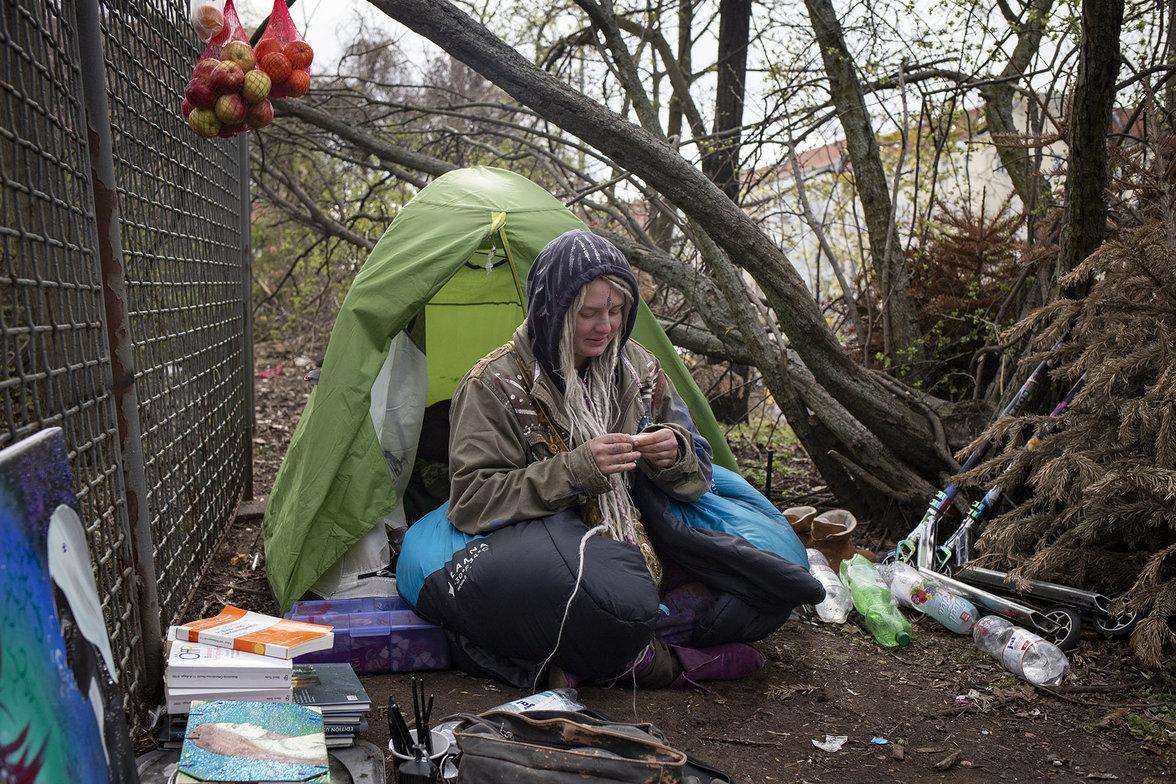 Obdachlos, Corona, Kontaktsperre