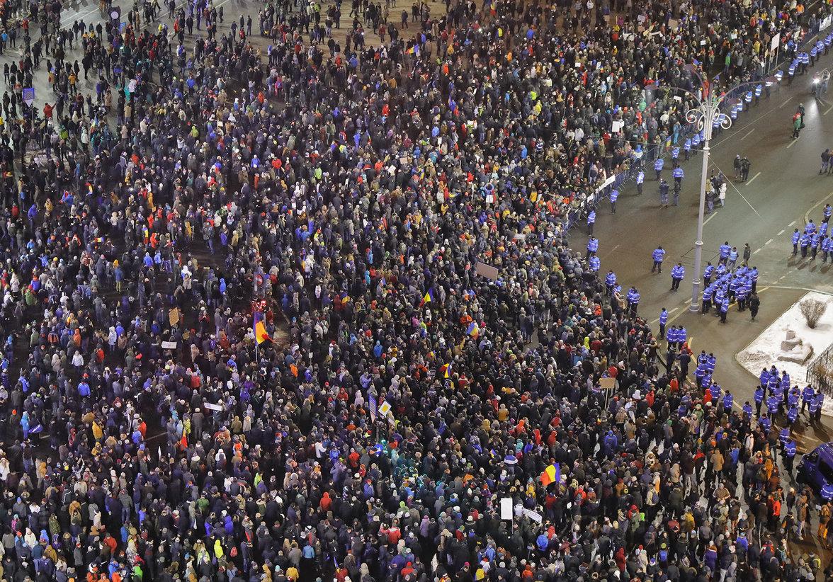 Demonstrationen in Bukarest (Foto: Vadim Ghirda/picture alliance/AP Photo)