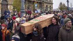 Demonstration für ein freies Bildungssystem, gegen die Privatisierung der Corvinus-Universität und gegen die Vertreibung der CEU (Foto: imago images / EST&OST)