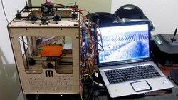 Wunderkiste? Mit Selbstbausets wie dem MakerBot Cupcake begann eine Revolution, auf die wir bis heute warten