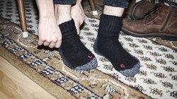 Linke und rechte Socke verwechselt? Passiert - auch Leuten, die keine Probleme beim Lesen haben.