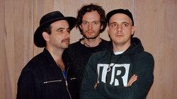 Sebastian Szary, Sascha Ring und Gernot Bronsert von der Band Moderat