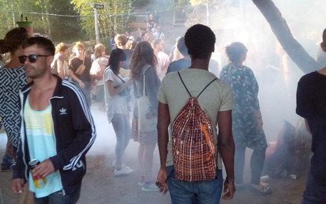 """Agomo Atambire auf dem """"Feel"""" Festival"""