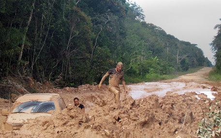 Strasse im Amazonas