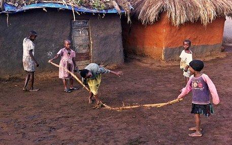 Kinderspiele im Camp: Das Kyaka II Refugee Settlement, wo Ulrike Krause geforscht hat. Foto: © Ulrike Krause, all rights reserved