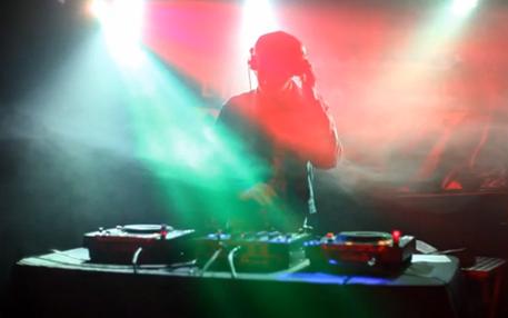 DJ im Pariser Nachtleben