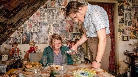 "Film ""Der Goldene Handschuh"" (Foto. Gordon Timpen / 2018 bombero int./Warner Bros. Ent.)"