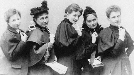 Die Frauenrechtlerinnen Anita Augspurg, Marie Stritt, Lily von Gizycki, Minna Cauer und Sophia Goudstikker um 1894