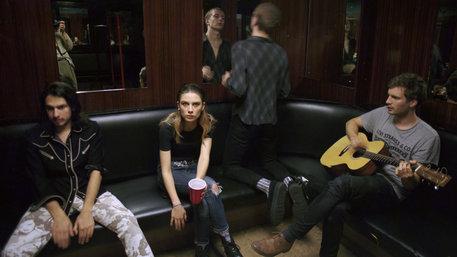 Backstage beim Konzert von Wolf Alice