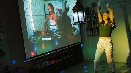 United we stream, corona, rave