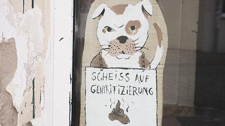 Banner in der Fridelstraße