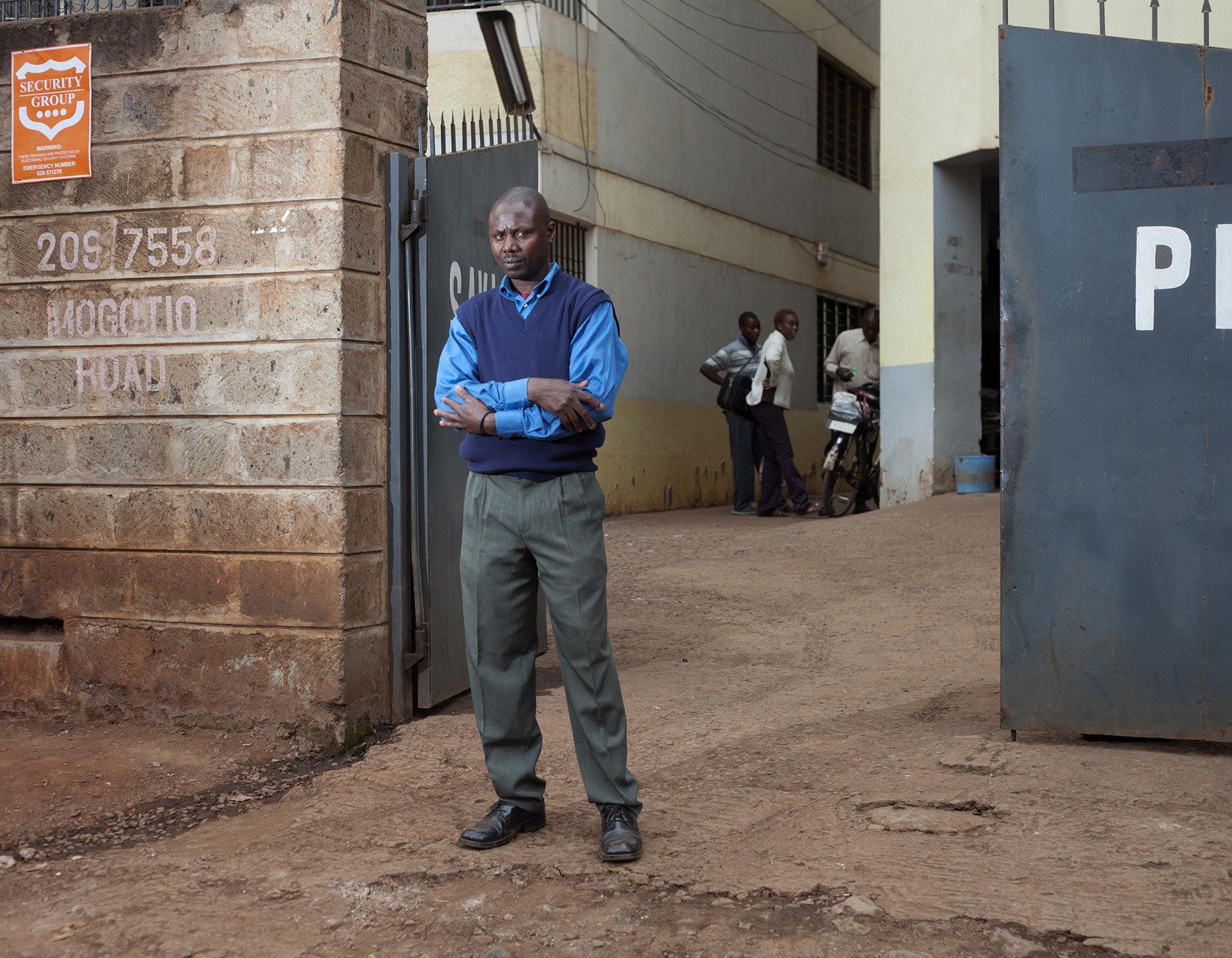 """Charles ist Hausmeister beim """"UP-Magazine"""", dem einzigen Magazin für Pop und Jugendkultur in Nairobi."""